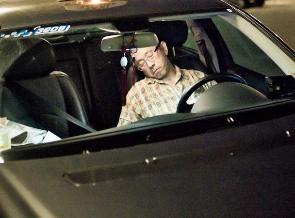 10 lucruri de făcut atunci când eşti obosit la volan