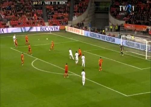 """Piţurcă, pus la zid de presa din Olanda: """"Nu se face aşa ceva! Piţurcă a introdus echipa de amatori"""""""