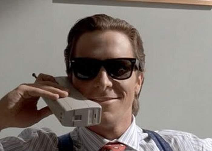 A apărut un telefon atât de urât şi prost încât dacă îl uiţi undeva, a doua zi îl găseşti tot acolo