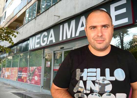 Un român a strâns atâtea abțibilduri Mega Image că acum deține 10% din companie
