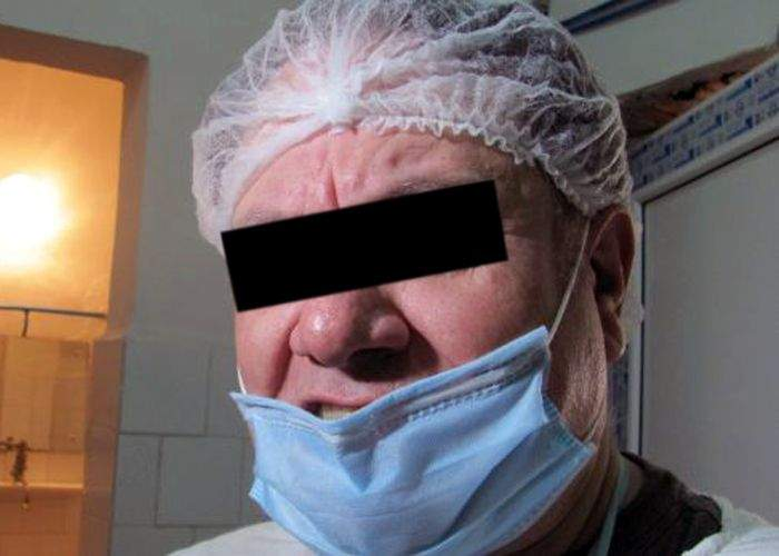 La domiciliul unui medic din Bucureşti s-au găsit operaţii chirurgicale contrafăcute