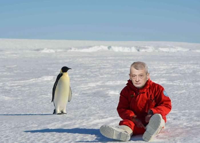 Câtă nesimţire! Bucureştenii mor de la caniculă, Oprescu e bine-mersi în Antarctida!