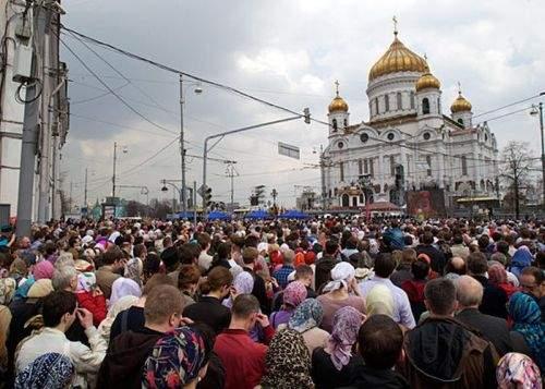 Ortodocşii vor plăti impozite mai mari, ca să ajute la finalizarea Catedralei Mântuirii Neamului