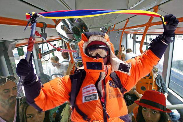 După Everest, un nou record! Horia Colibăşanu a mers cu tramvaiul 41 de la un capăt la altul fără oxigen suplimentar