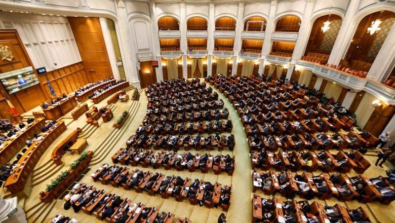 PSD obligă copiii să-și întrețină părinții și bunicii săraci, altfel riscă închisoarea