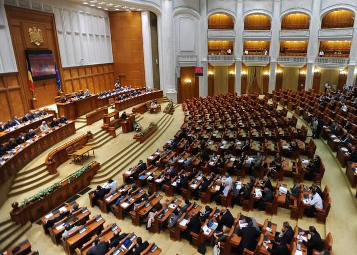 Nu s-au abţinut! De ziua copilului, parlamentarii şi-au votat şi nişte alocaţii nesimţite