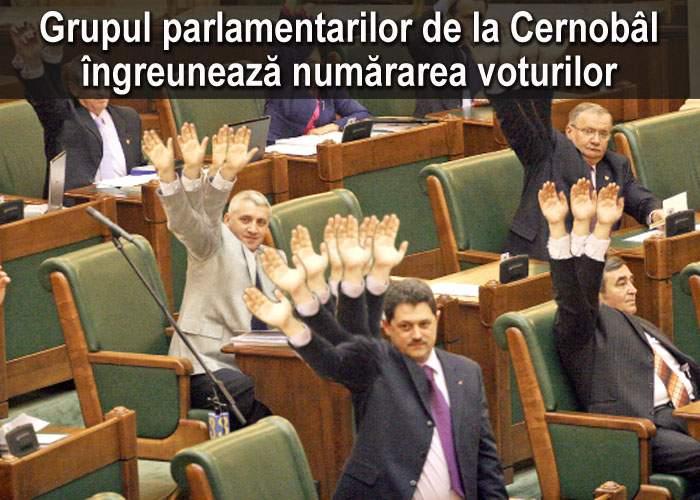 Votul moţiunii de cenzură, îngreunat de parlamentarii de la Cernobâl