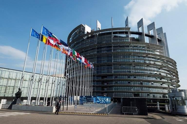 Plan ingenios la Bruxelles! Renunţarea la ora de vară se va face treptat, câte 5 minute pe an