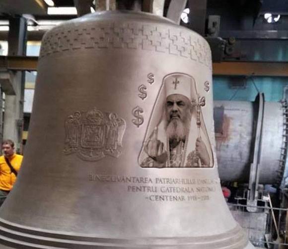 Foto! Sătul de reproșuri, Patriarhul și-a schimbat poza de pe clopot cu una mult mai sugestivă
