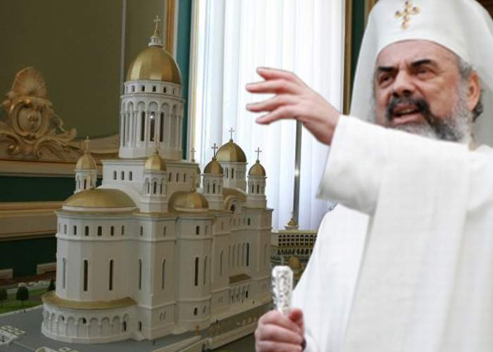 """Patriarhul Daniel: """"Românii o duc greu pentru că n-au donat destui bani pentru Catedrala Neamului"""""""