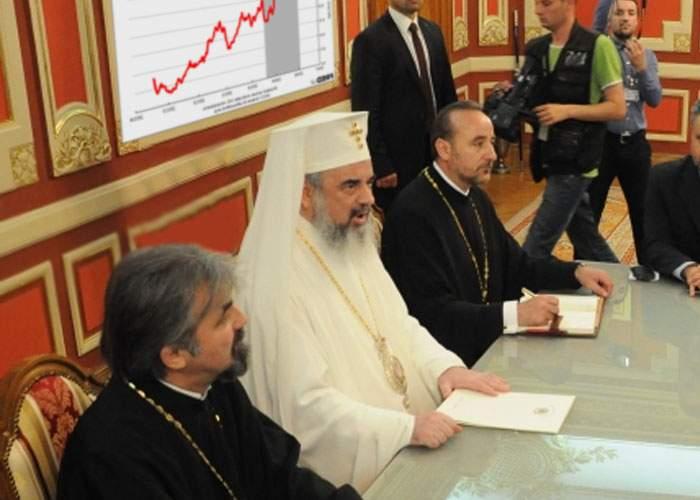 Patriarhul Daniel are soluţia salvatoare: Vrei să nu-ţi ia băncile casa? Doneaz-o bisericii!