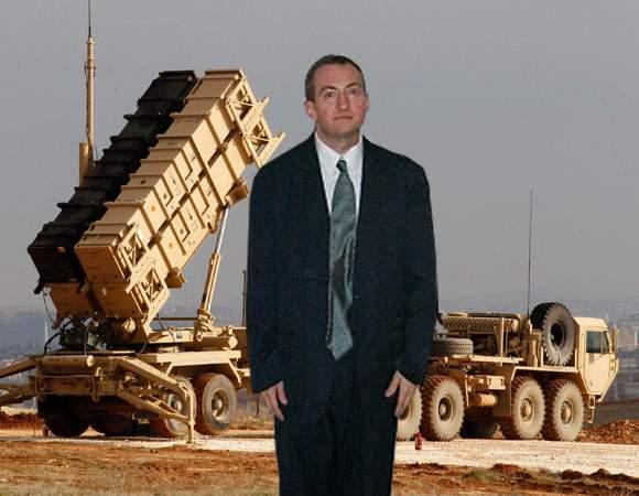 Ghinion! Un român care şi-a pierdut buletinul a aflat că Guvernul a făcut credit pentru rachete Patriot pe numele lui
