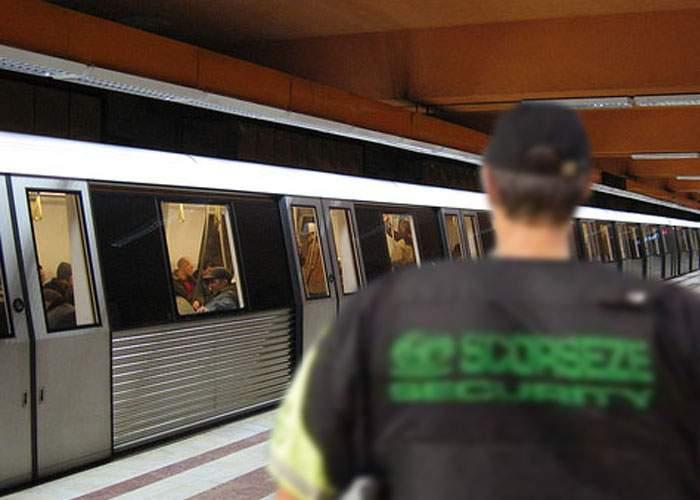 Încă o gafă din partea Metrorex! Au angajat un paznic prea lat ca să intre în metrou