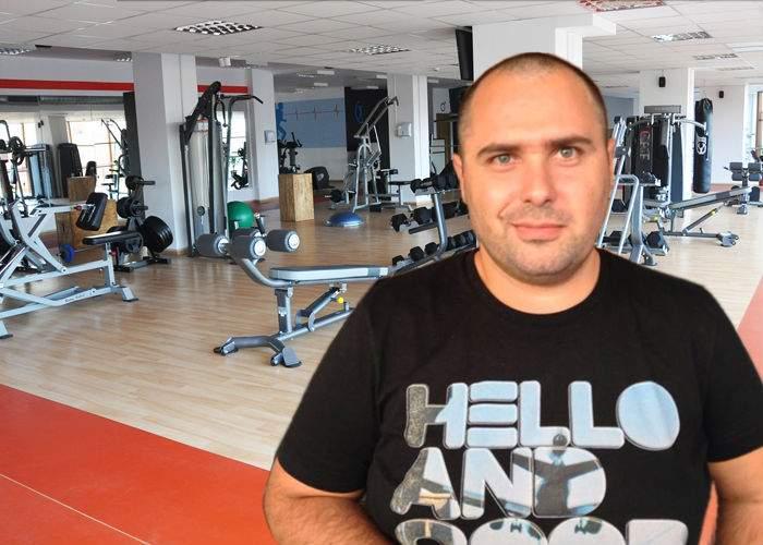 Un român se laudă că are cel mai mare penis de 8 cm din lume