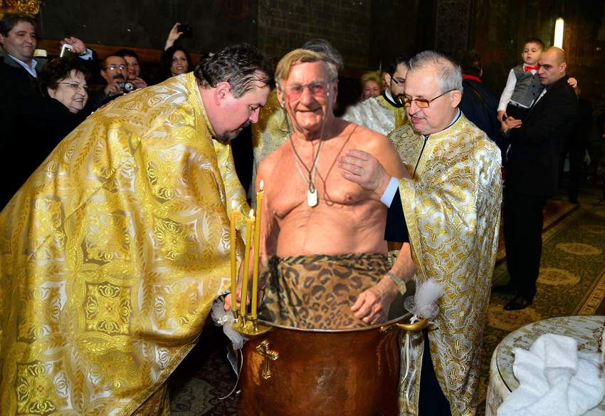 O nouă victorie a Patriarhului! Românii vor fi obligați să se pensioneze și religios, nu doar civil