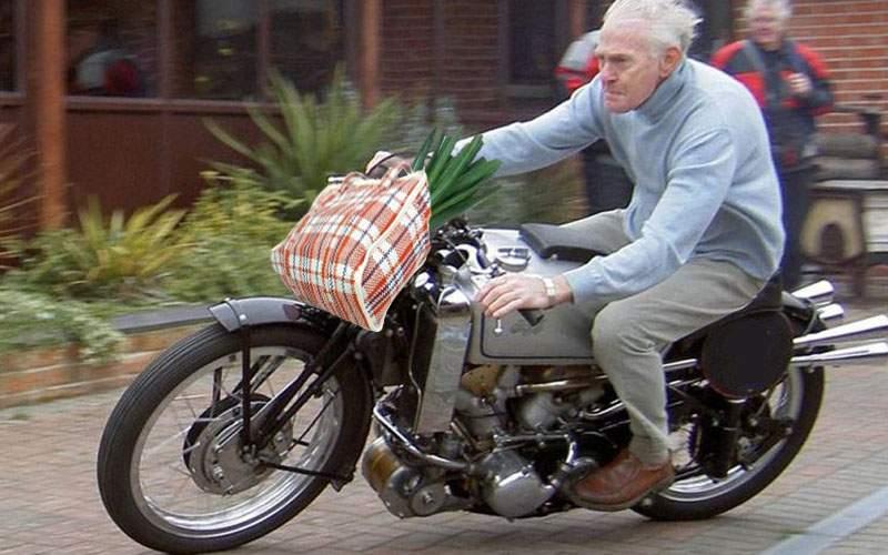 """Încă o gratuitate pentru pensionari! Posesorii de motociclete nu plătesc taxa """"Oxigen"""""""