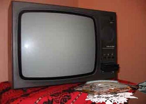 Fanii OTV au coborât mileul şi peştişorul în bernă după închiderea postului lor preferat
