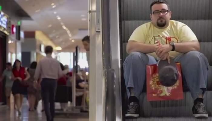 SOS. O femeie plecată la shopping a uitat în ce mall şi-a lăsat bărbatul cu geanta!