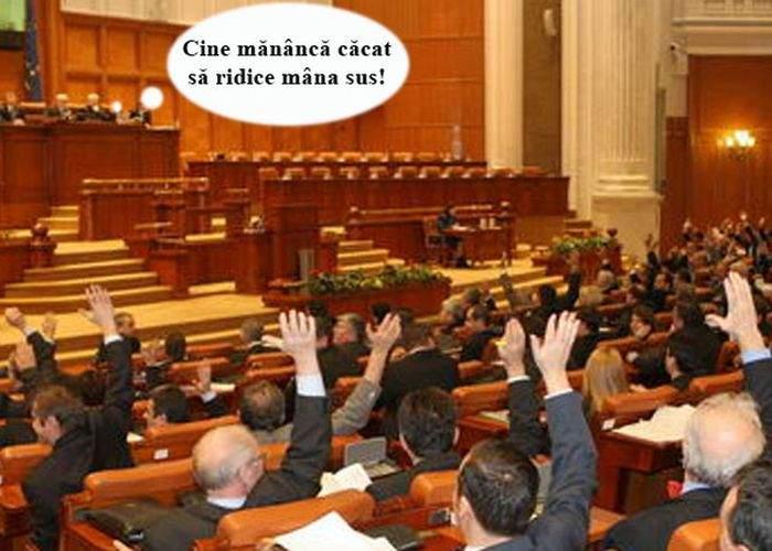 """Mencinicopschi: """"Pentru o carieră politică de succes, mâncaţi căcat după fiecare masă"""""""