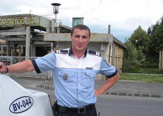 """IPJ Brașov explică sancționarea agentului umorist: """"Nu acceptăm oameni care știu să scrie"""""""