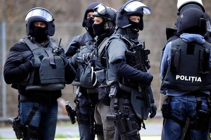 Poliţia va împărţi în noaptea de Înviere un COVID special, adus de la Ierusalim