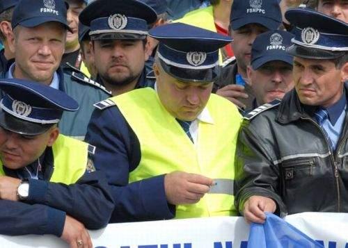 Poliţiştii au protestat împotriva subiectelor grele de la BAC