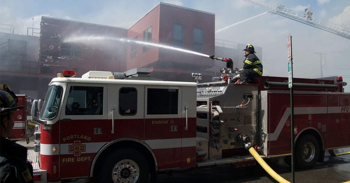 Te plângi că te-a trezit RoAlertul? Mâine dimineaţă ISU testează pe noi furtunul de pompieri
