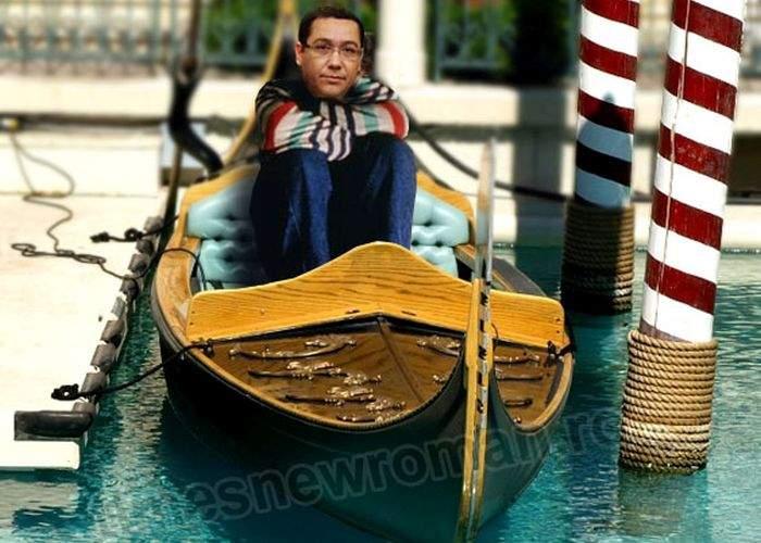 Foto! Vacanță ratată la Veneția! Ponta stă ca prostu' în gondolă și așteaptă jandarmii să-l împingă