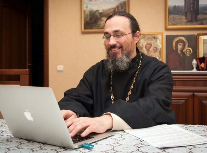 Un preot a găsit o soluţie anti-caniculă chiar mai inutilă decât rugăciunea: petiţia online pentru ploaie