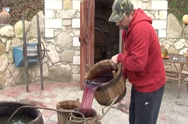 Descoperă România. 10 lucruri despre perioada în care românii fac vinul
