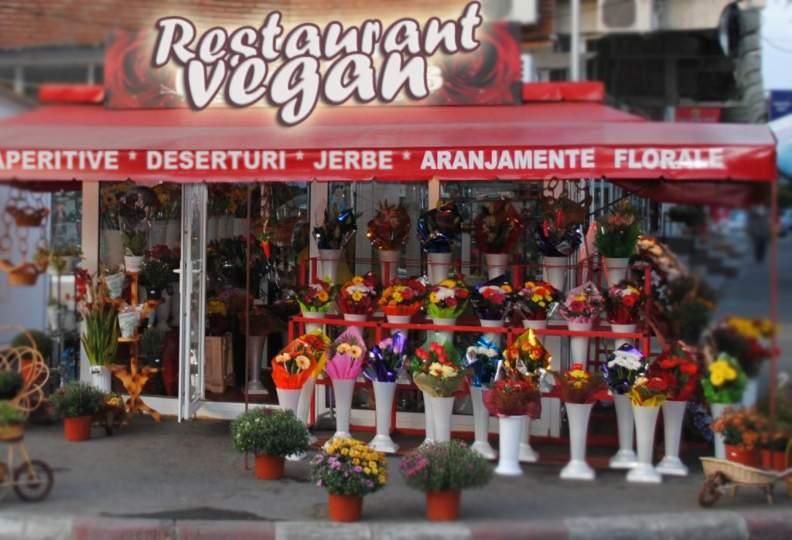 """O florărie din Bucureşti s-a rebranduit! Acum e """"restaurant cu specific vegan"""""""