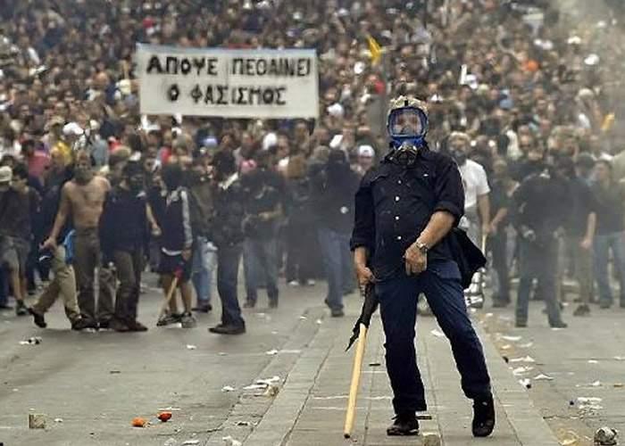 """Furie în Grecia! """"Cei 7 miliarde de Euro de la UE ne ajung doar pentru o mărire cu 5% a pensiilor"""""""