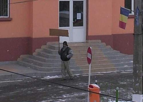 Manifestantul din Baia de Arieş a anunţat că vrea să dea jos guvernul din Liechtenstein