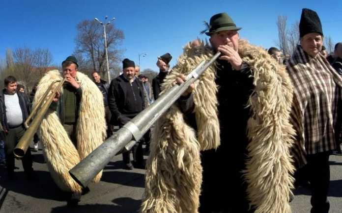 Zece lucruri despre protestul ciobanilor de la Palatul Parlamentului