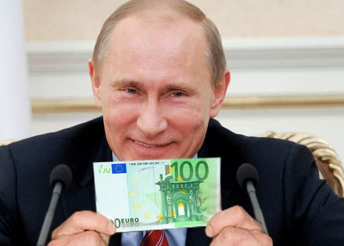 """Rusia, seducătoare ca întotdeauna: """"Dacă ieşiţi din NATO, vă mai dăm 100 de euro!"""""""