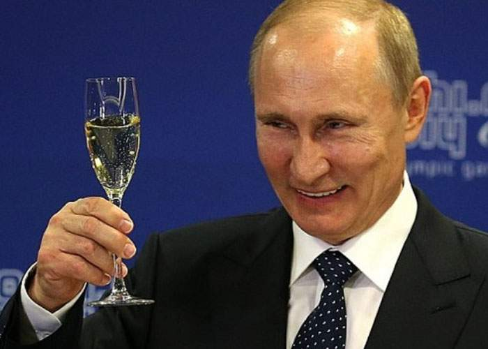 Al doilea Cuza! Vladimir Putin anunţă că a fost ales preşedinte atât în Rusia, cât şi în Moldova