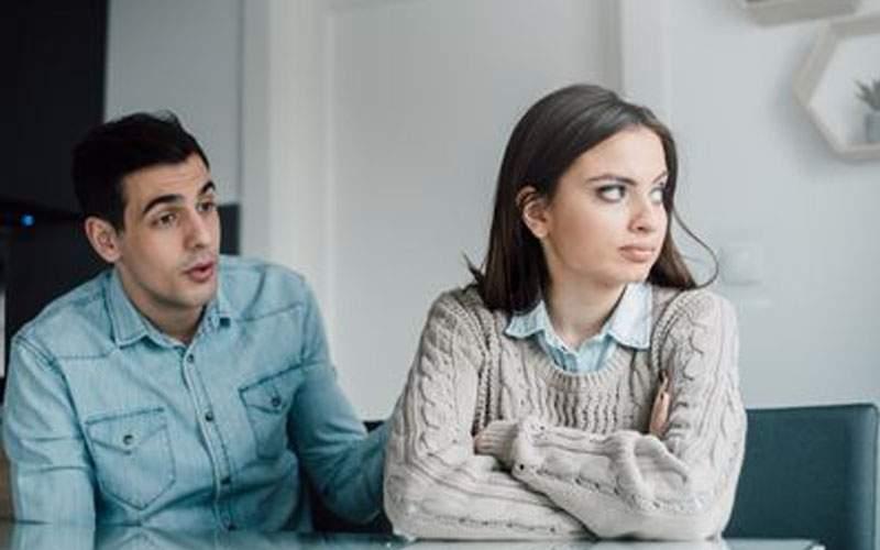 Prevăzător! Un bărbat şi-a anunţat deja soţia că o să fie gripat de Valentine's Day