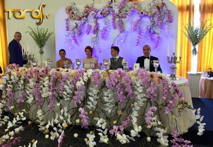 Pentru că lumea îl știe doar ca naș de nuntă, Rareș Bogdan se mută cu emisiunea la Taraf TV