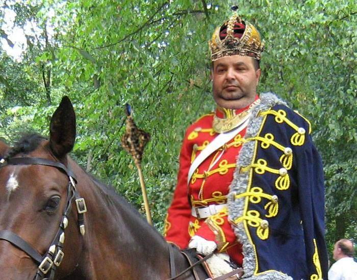 Se reface imperiul habsburgic? Regele Cioabă a devenit și regele ungurilor de pretuntindeni