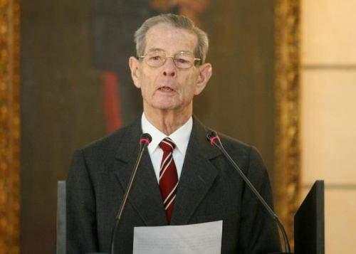 Regele Mihai a vrut să invite parlamentarii la Peleş, dar familia s-a opus