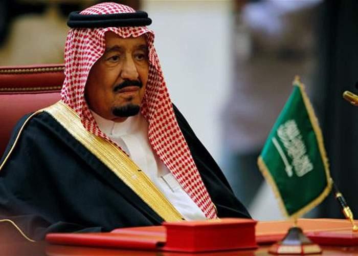 După o primă zi dezastruoasă, Arabia Saudită rectifică: femeile au voie să conducă, dar nu să parcheze