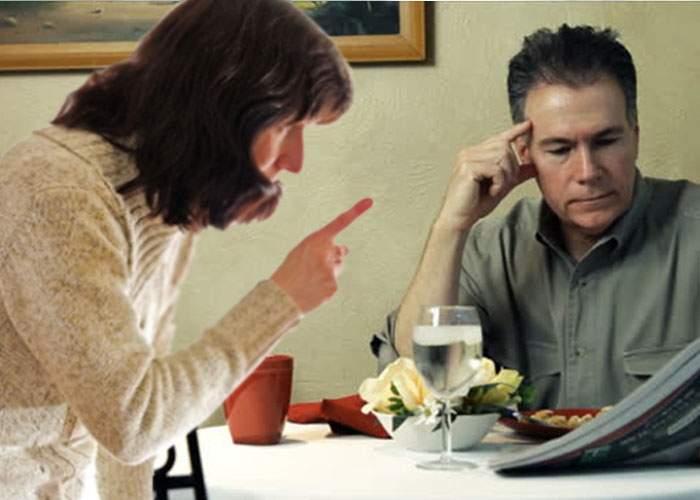 """Feriţi-vă de restaurantele cu mâncare """"ca la mama acasă"""". După ce mănânci eşti pus să speli vasele şi să duci gunoiul"""