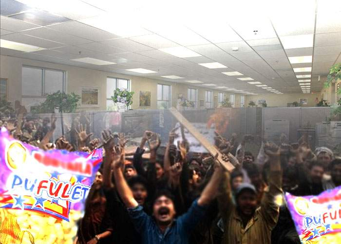 Revoltă într-o clădire de birouri din Pipera, după ce s-a interzis accesul cu pufuleţi în incintă