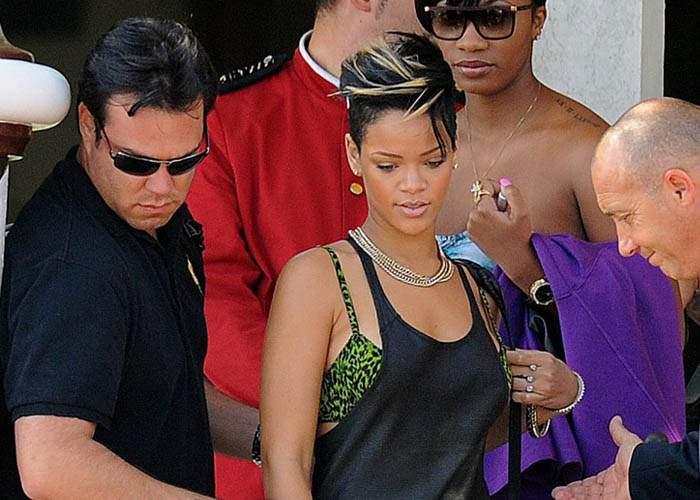 """Rihanna își schimbă depoziția: """"De fapt n-am împușcat pe nimeni"""""""