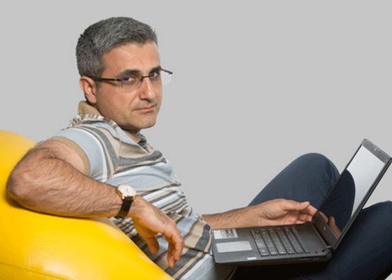 Avem internet rapid, dar ne batem joc de el. Îi citim pe Turcescu, expunere.com şi evz.ro
