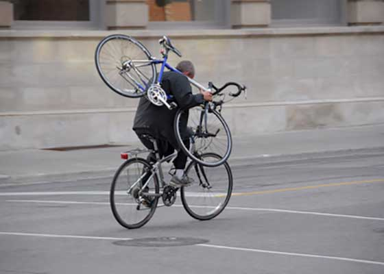 Anul acesta, românii au trimis în țară 3 miliarde de euro sub formă de biciclete