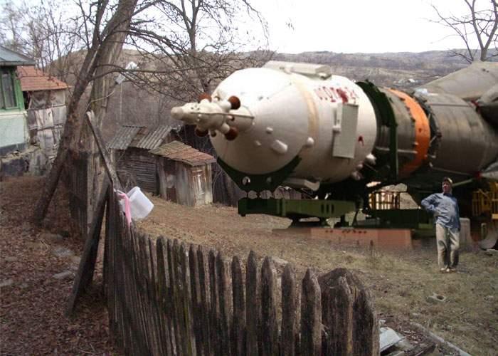 Un român care a lucrat la racheta Soiuz și-a construit una în curte din piese luate de la uzină