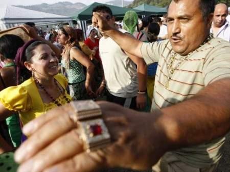 Românii vor să li se spună ţigani, ca să nu mai fie confundaţi cu romii