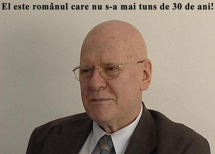romanul_care_nu_s-a_tuns_de_30_de_ani