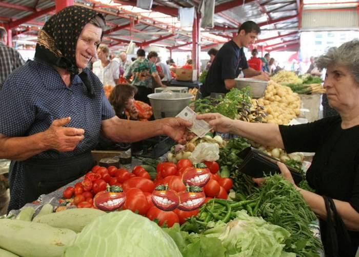 Un nou pericol! Mai multe roșii modificate genetic au mușcat clienții într-o piață din București